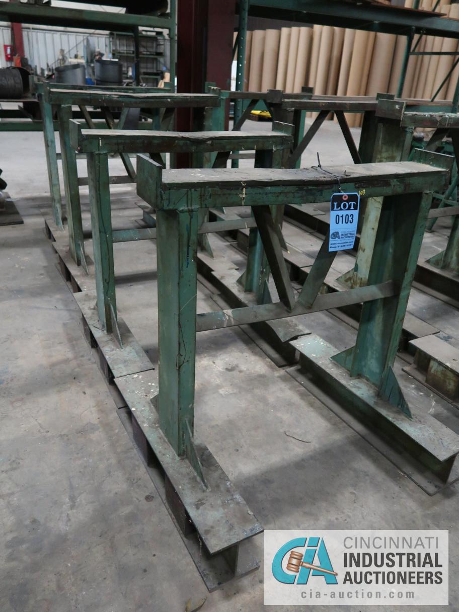 (LOT) (4) STEEL STANDS