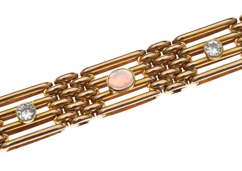 Lot 38 - EDWARDIAN 15CT GOLD OPAL AND DIAMOND BRACELET