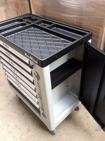 Lot 18027 - V Brand New Seven Drawer Locking Garage Tool Cabinet With Side Door On Lockable Casters -