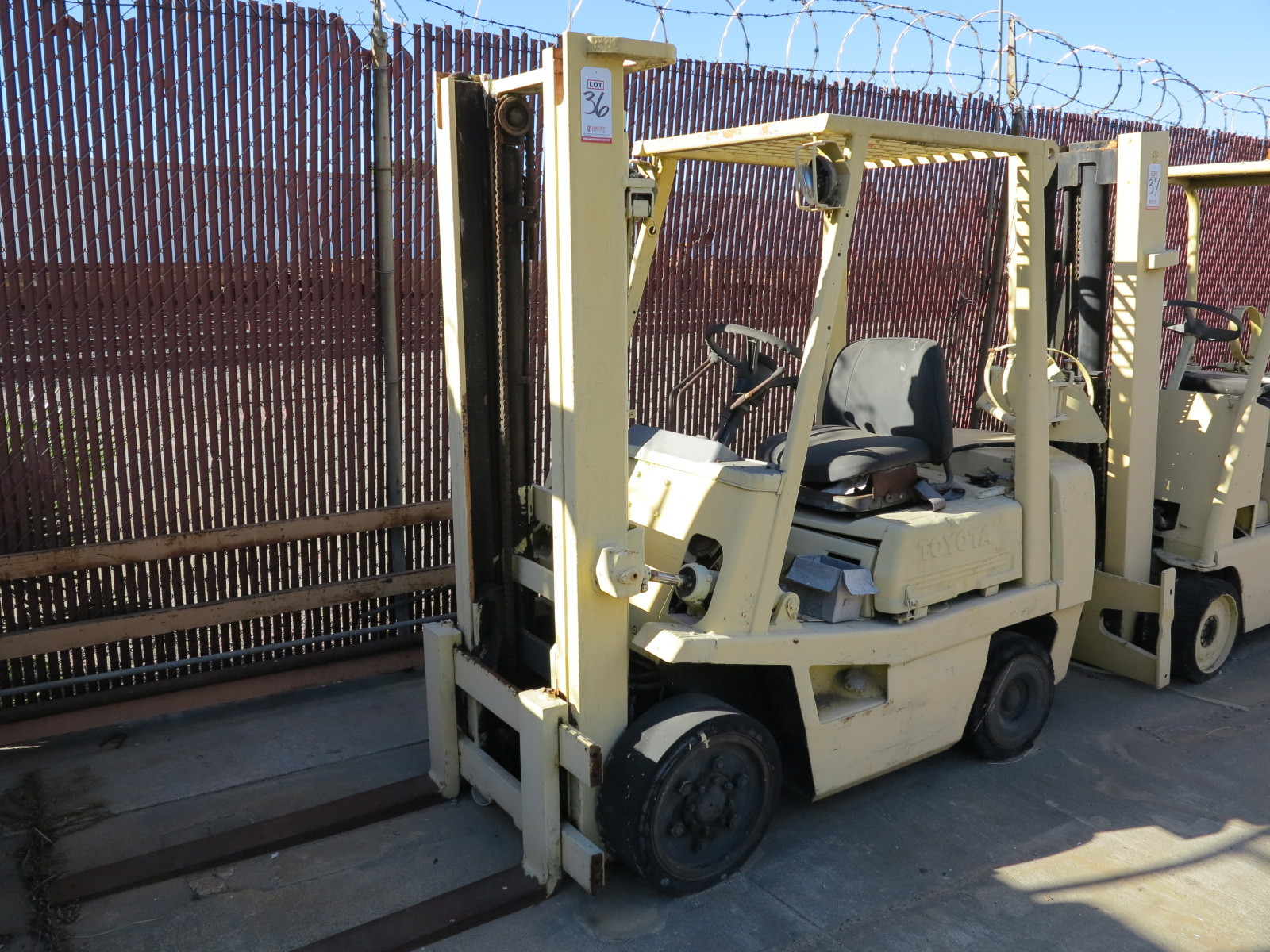 Lot 36 - TOYOTA LP FORKLIFT, OUT OF SERVICE