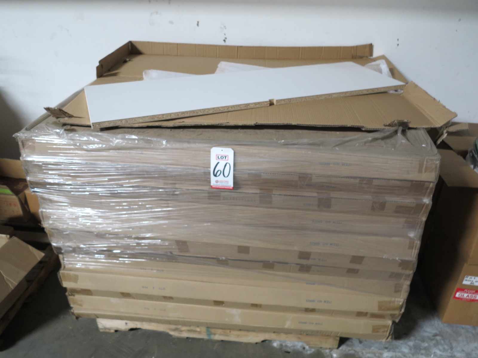 Lot 60 - LOT - PALLET OF DISPLAY TOPS