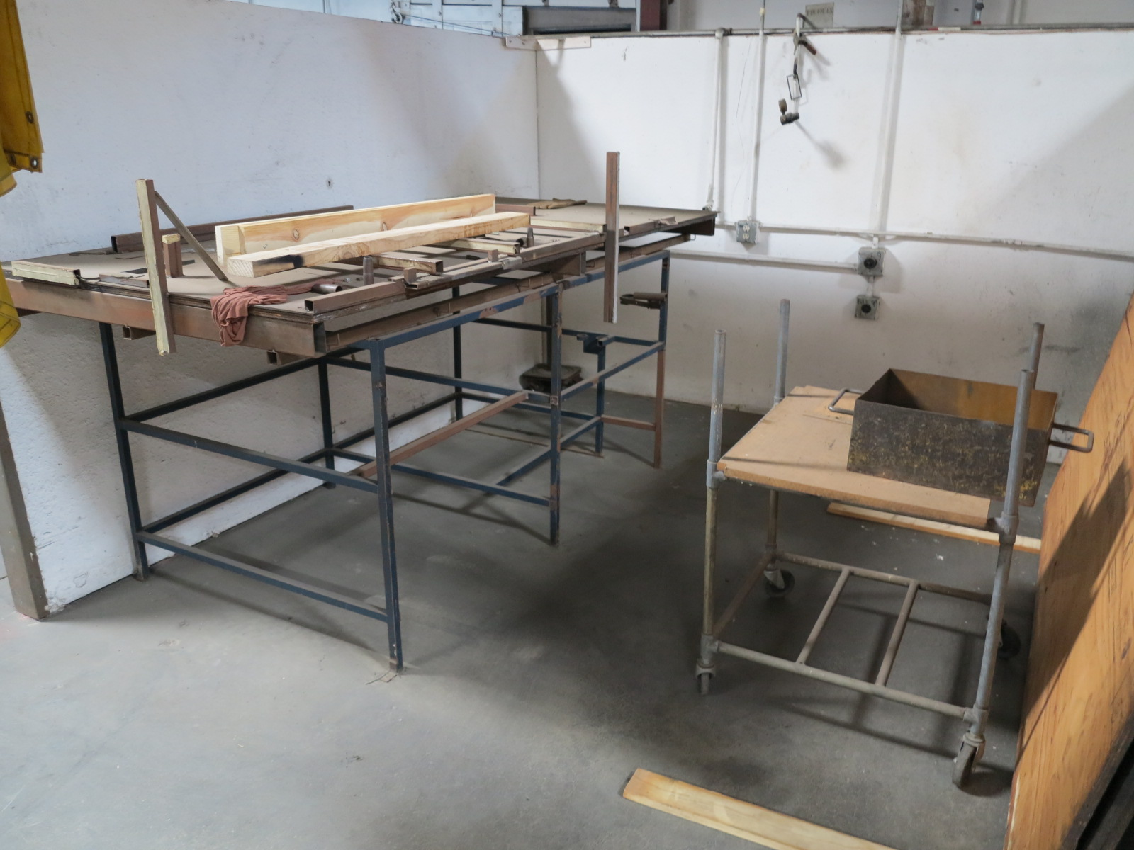 Lot 45 - LOT - CONTENTS OF (2) CUBICLES CONTAINING ASSEMBLY TABLES