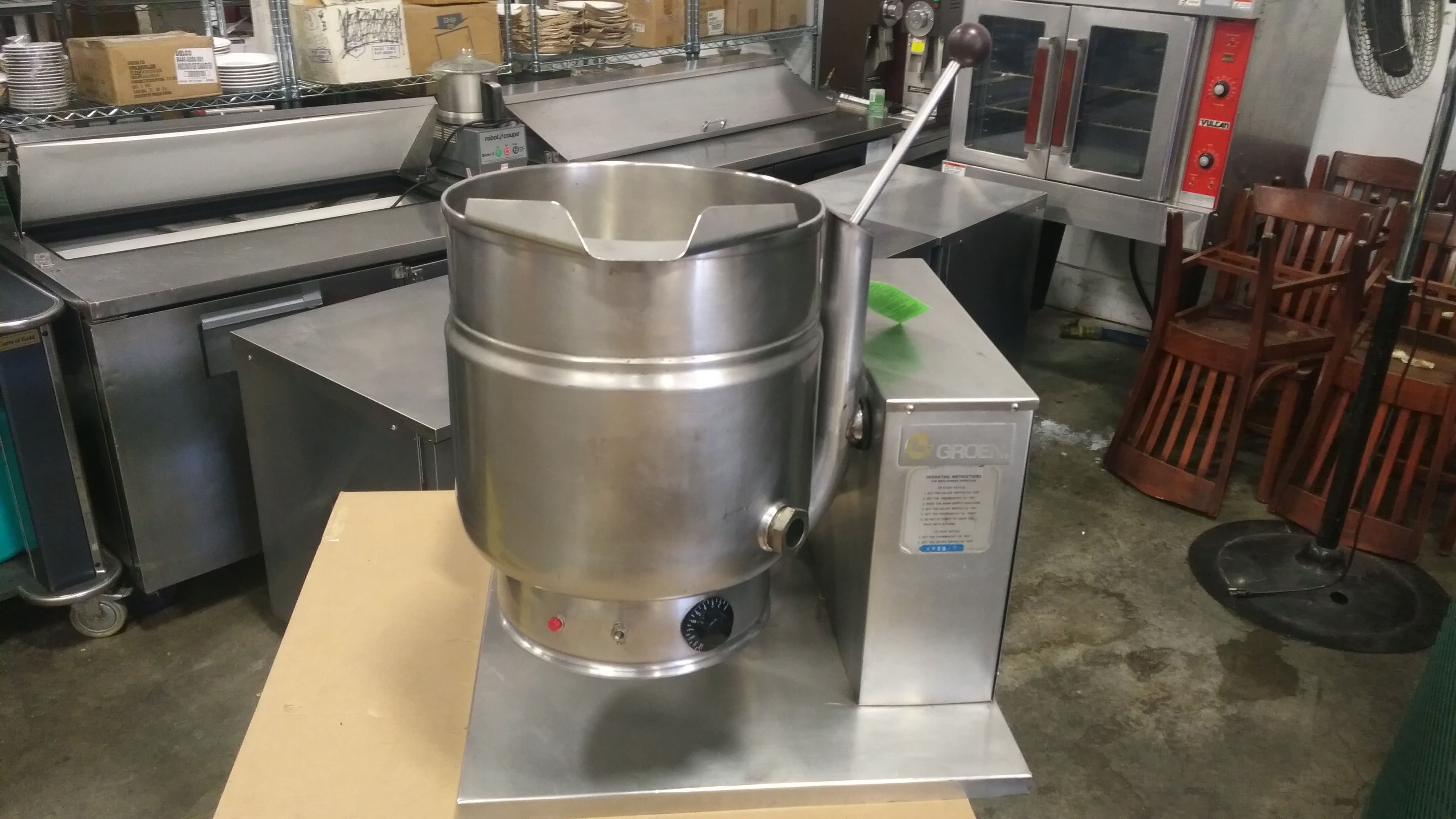 Lot 32 - Groen 20qt Natural Gas Self-Contained Steam Kettle, tested/working