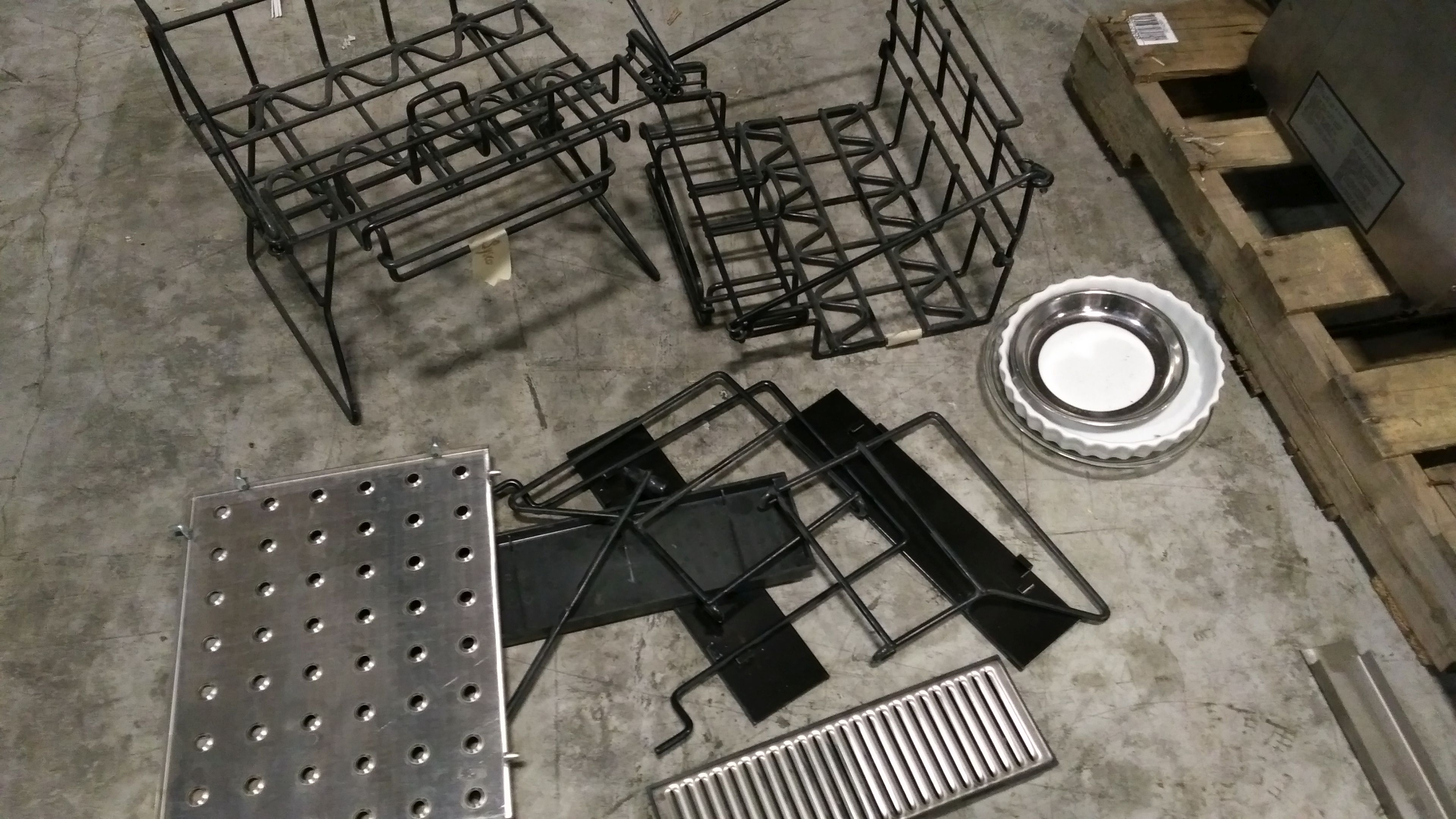 Lot 60 - Misc Wire Racks/Stainless Trays
