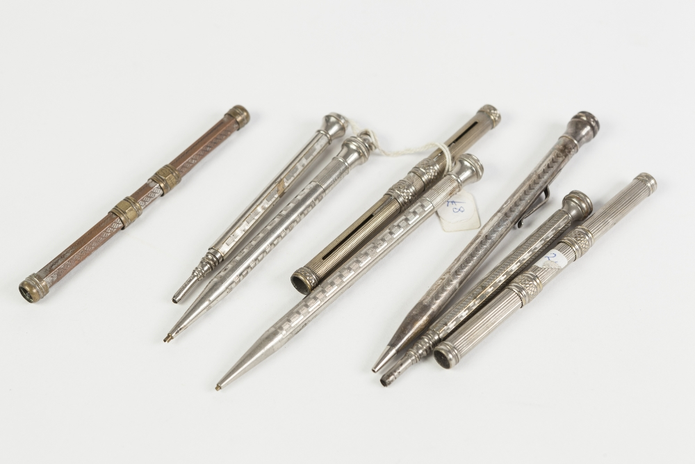 Lot 252B - A COLLECTION OF SILVER PLATE AND WHITE METAL PROPELLING PENS AND PENCILS to include an Everest