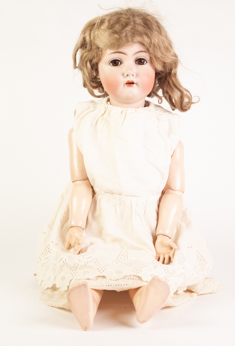 Lot 305 - SIMON & HABIG 420 WALKING GIRL CHARACTER DOLL, with bisque head, brown sleeping eyes, open mouth