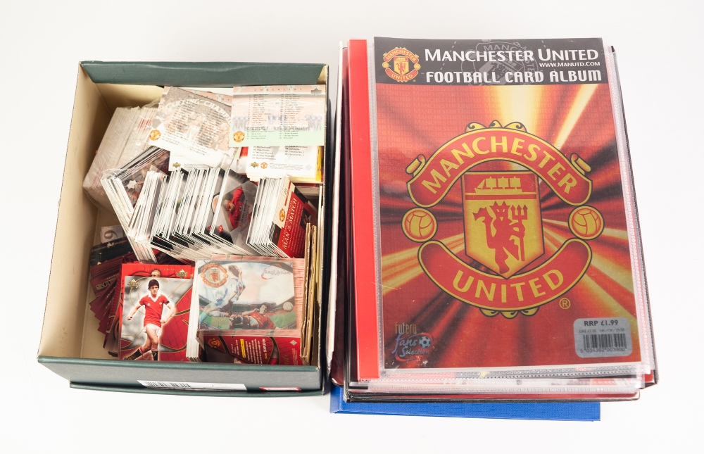 Lot 72 - LARGE COLLECTION OF MANCHESTER UNITED COLLECTORS CARDS, 1990'S/ 2000'S, contents pf nine albums, and