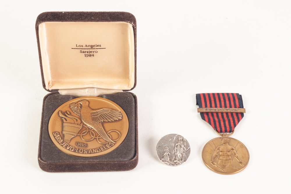 Lot 20 - SARAJEVO-LOS ANGELES OLYMPIC MEDALLION, 1984, BOXED, together with a BELGIAN VOLUNTEER SERVICE