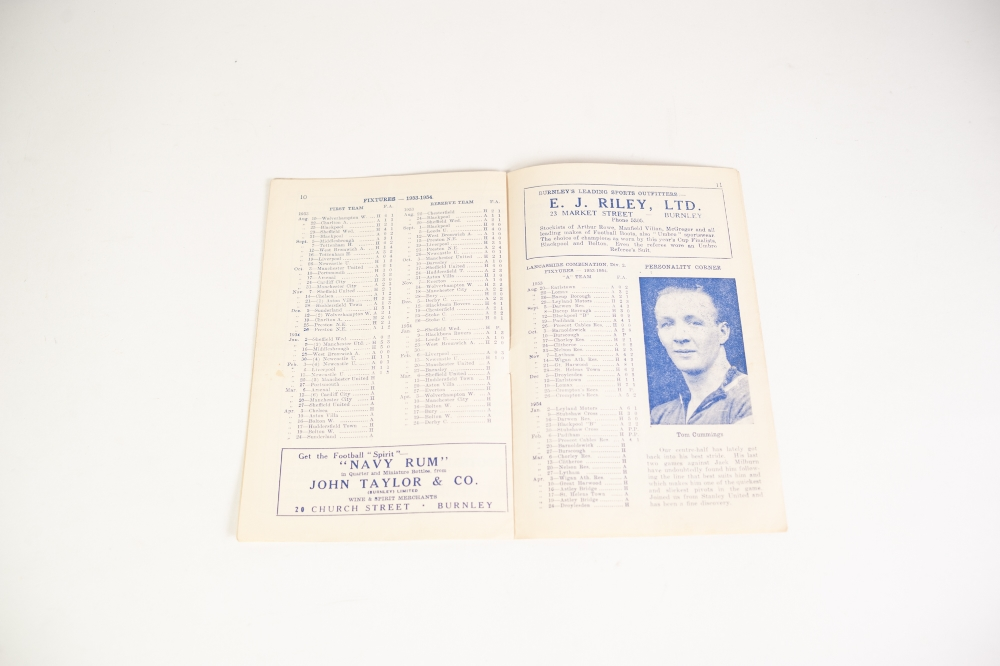 Lot 92 - BURNLEY v MANCHESTER UNITED 1953/54 SEASON