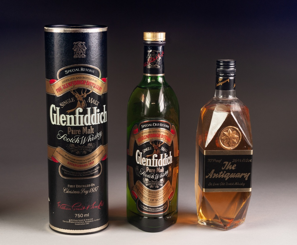 Lot 29 - BOTTLE OF GLENFIDDICH SPECIAL OLD RESERVE MALT WHISKY, in card sleeve, and a BOTTLE OF 'THE