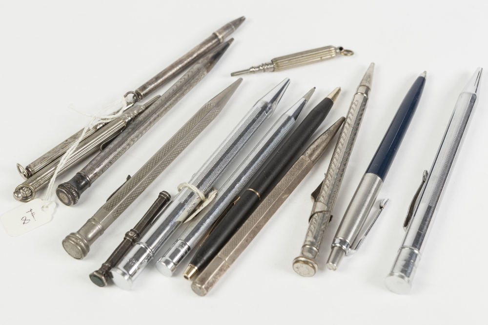 Lot 252A - A COLLECTION OF SILVER, SILVER PLATE AND WHITE METAL PROPELLING PENS AND PENCILS to include silver