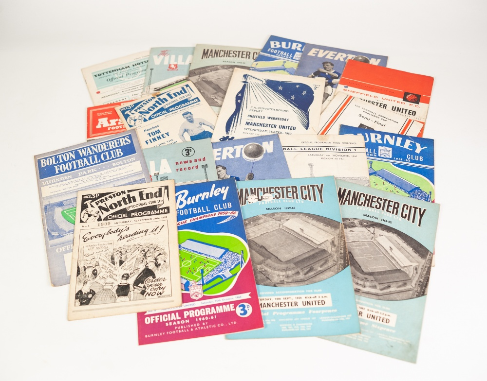 Lot 90 - QUANTITY OF MANCHESTER UNITED AWAY PROGRAMMES from season 1959/60 to 1965/66 (95 in total)