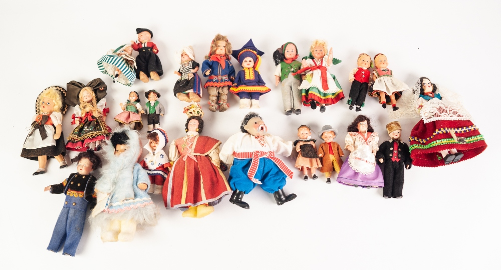 Lot 313 - 41 SMALL SOUVENIR DOLLS, dressing in National Costumes from around the world (41)