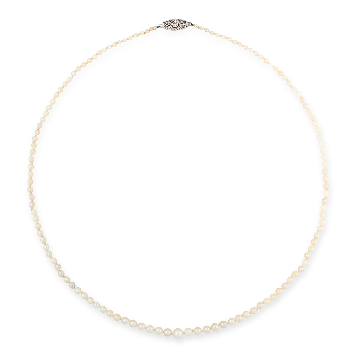 AN ANTIQUE PEARL AND DIAMOND NECKLACE in 18ct gold, comprising of a single row of pearls ranging 2.