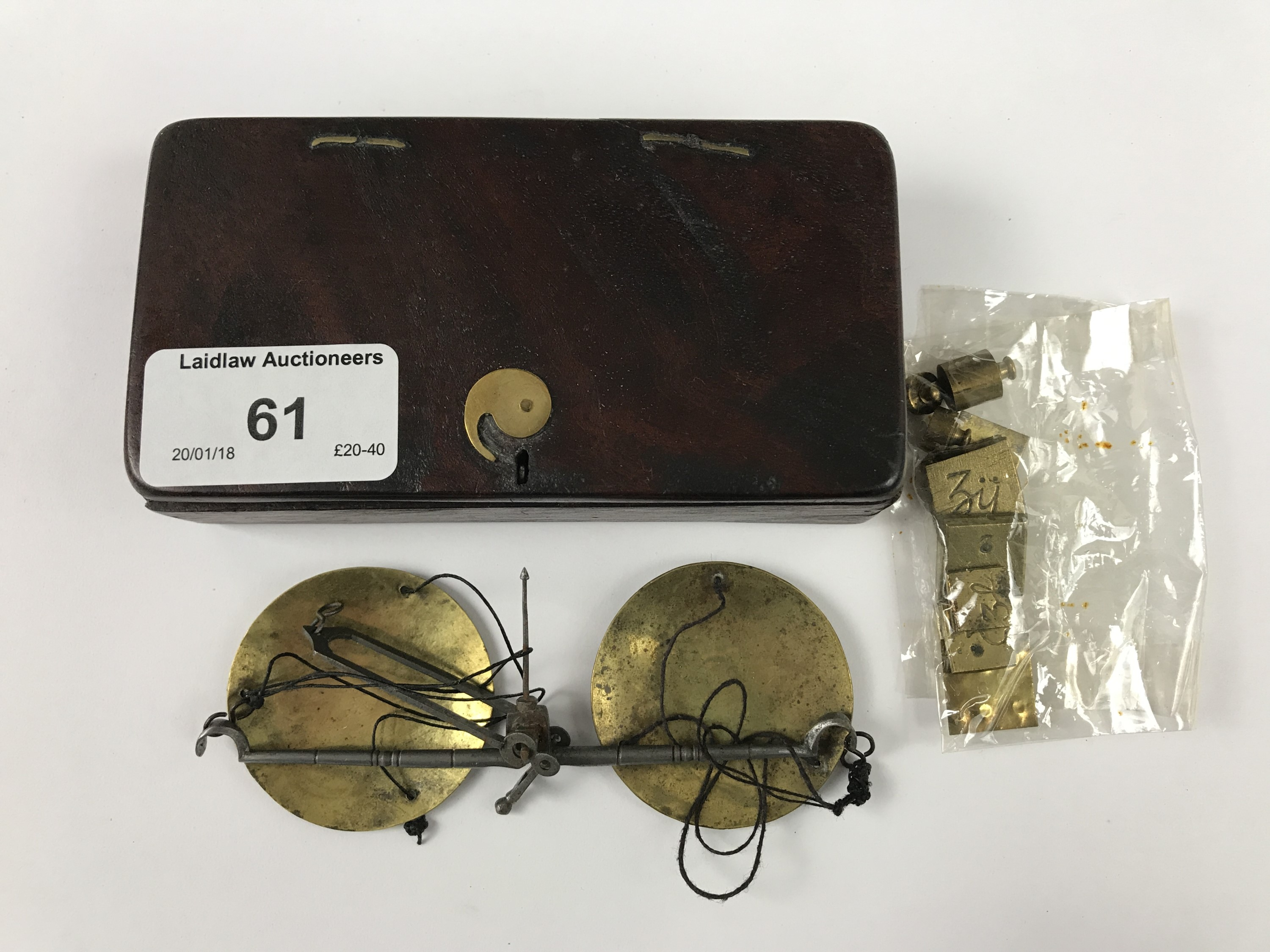 Lot 61 - Georgian pocket beam scales and weights