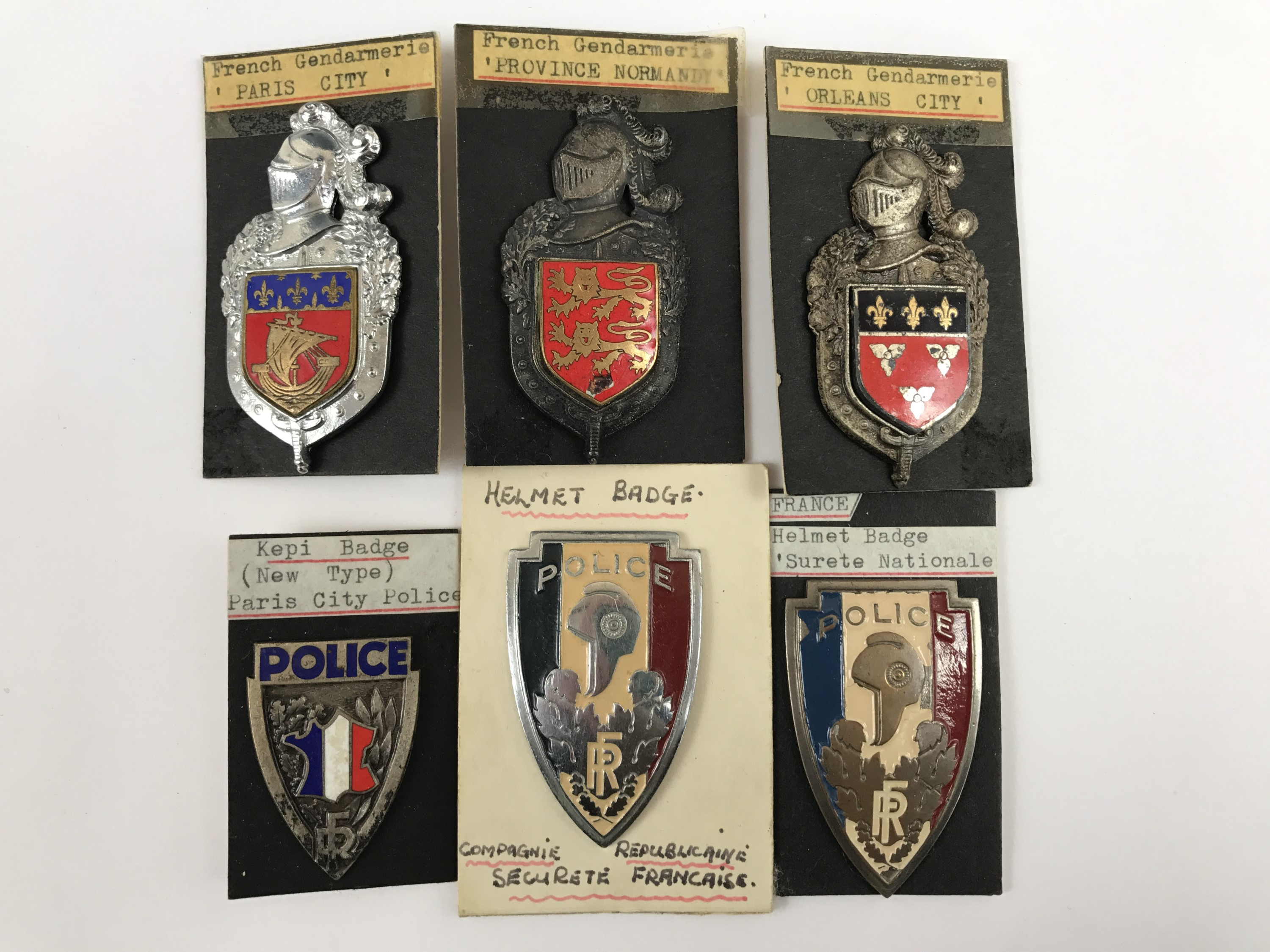 Lot 38 - A quantity of French Police badges