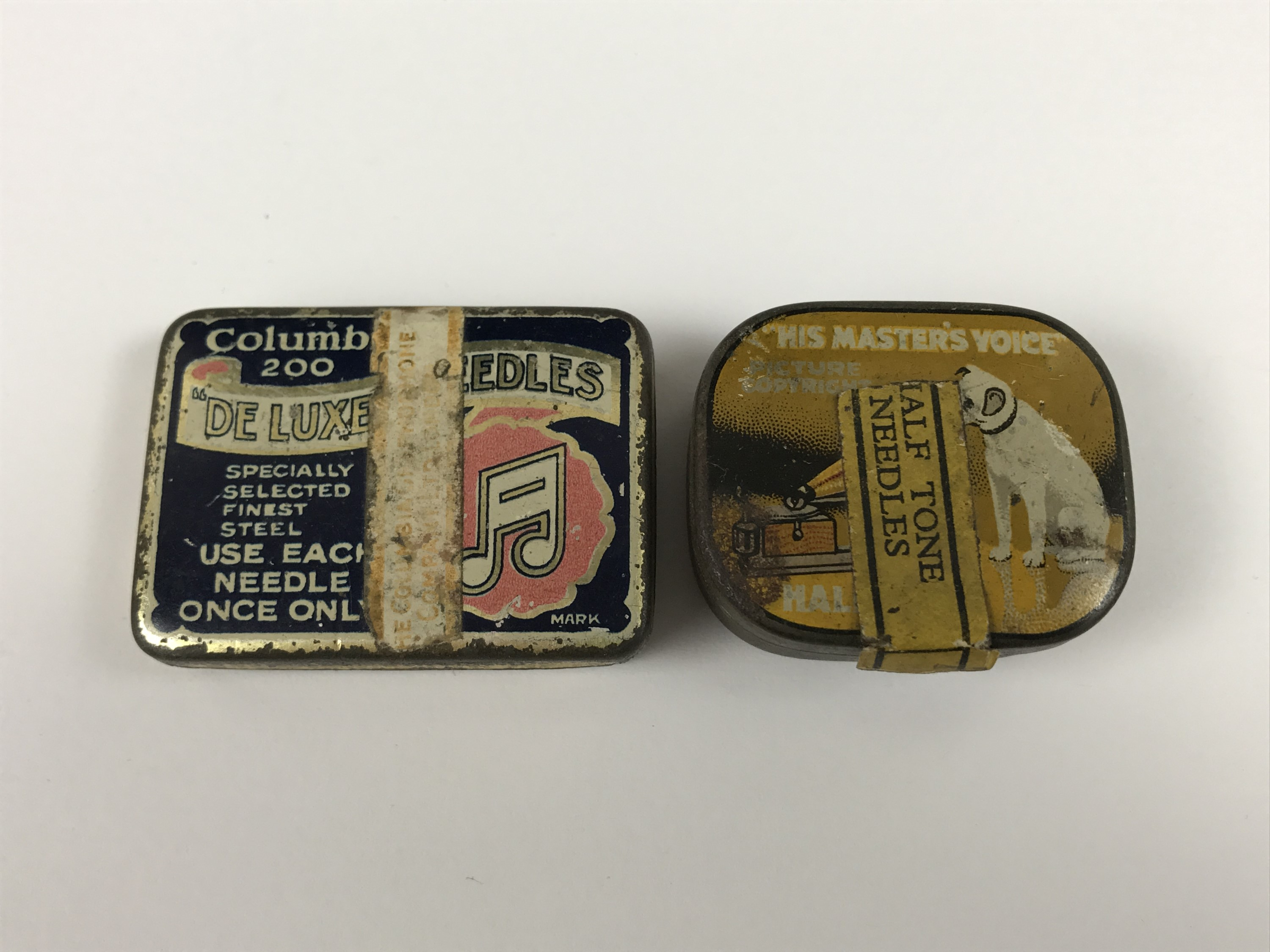 Lot 14 - Columbia 200 de Luxe and His Masters Voice gramophone needles
