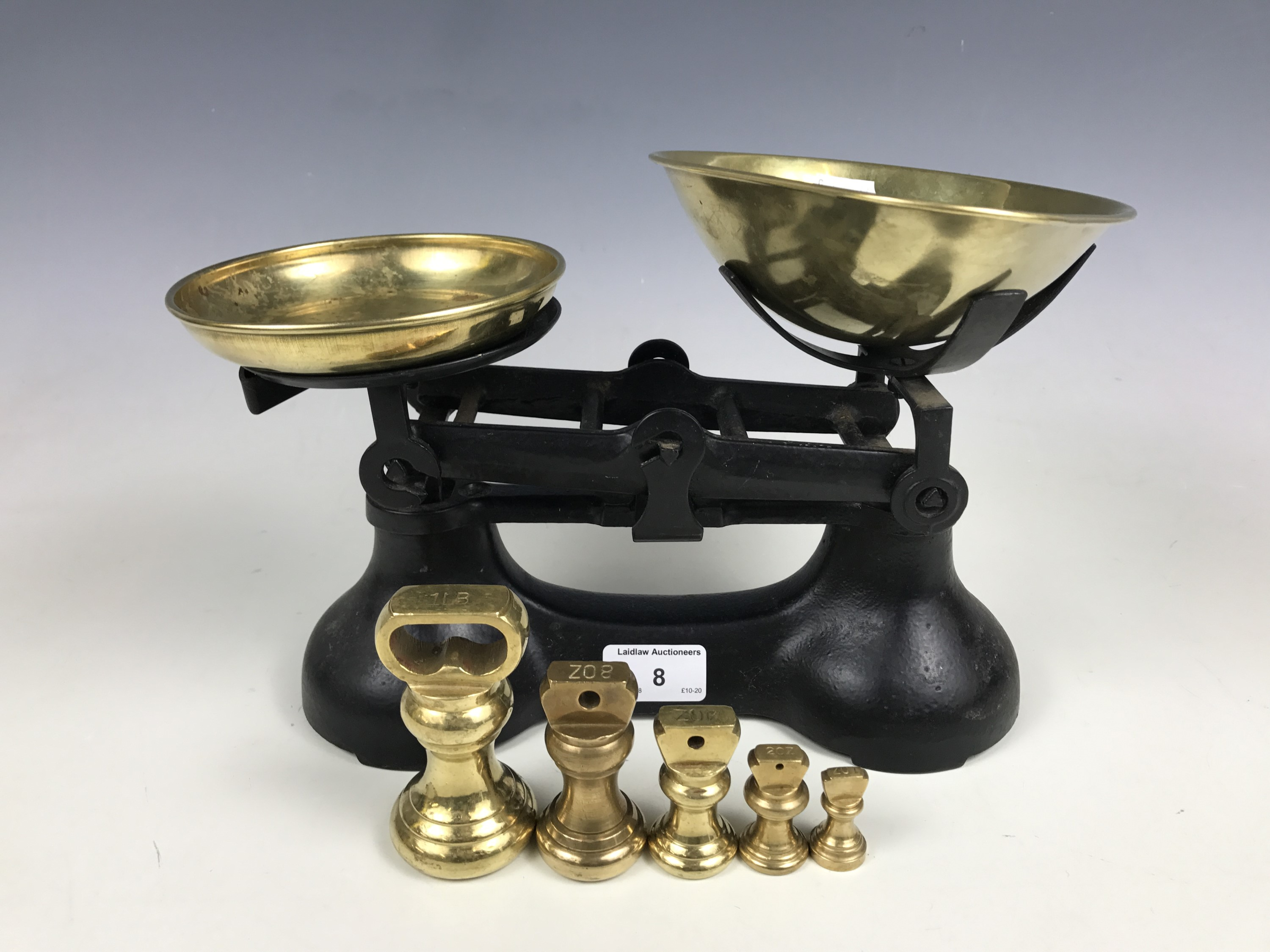 Lot 8 - A set of vintage kitchen scales with weights