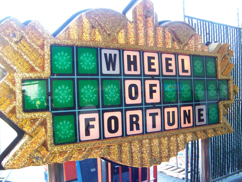 WHEEL OF FORTUNE TICKET REDEMPTION GAME ICE - Image 5 of 6