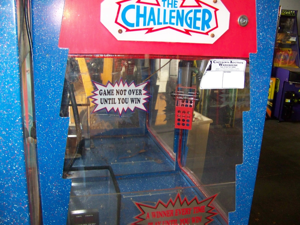 Lot 14 - LOT OF 3 CHALLENGER CANDY SHOVEL CLAW CRANES