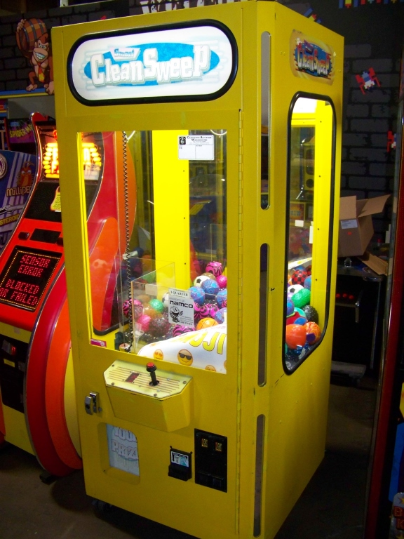 "30"" SMART CLEAN SWEEP YELLOW PLUSH CRANE MACHINE - Image 2 of 5"