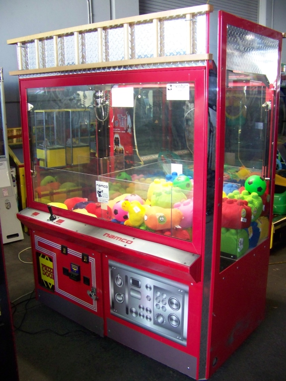 "Lot 30 - 60"" FIRE ENGINE DUAL CLAW CRANE MACHINE I.C.E."