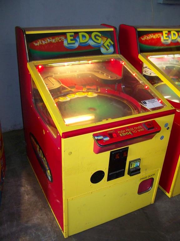 Lot 33 - WINNERS EDGE MERCHANDISER PRIZE GAME BAYTEK