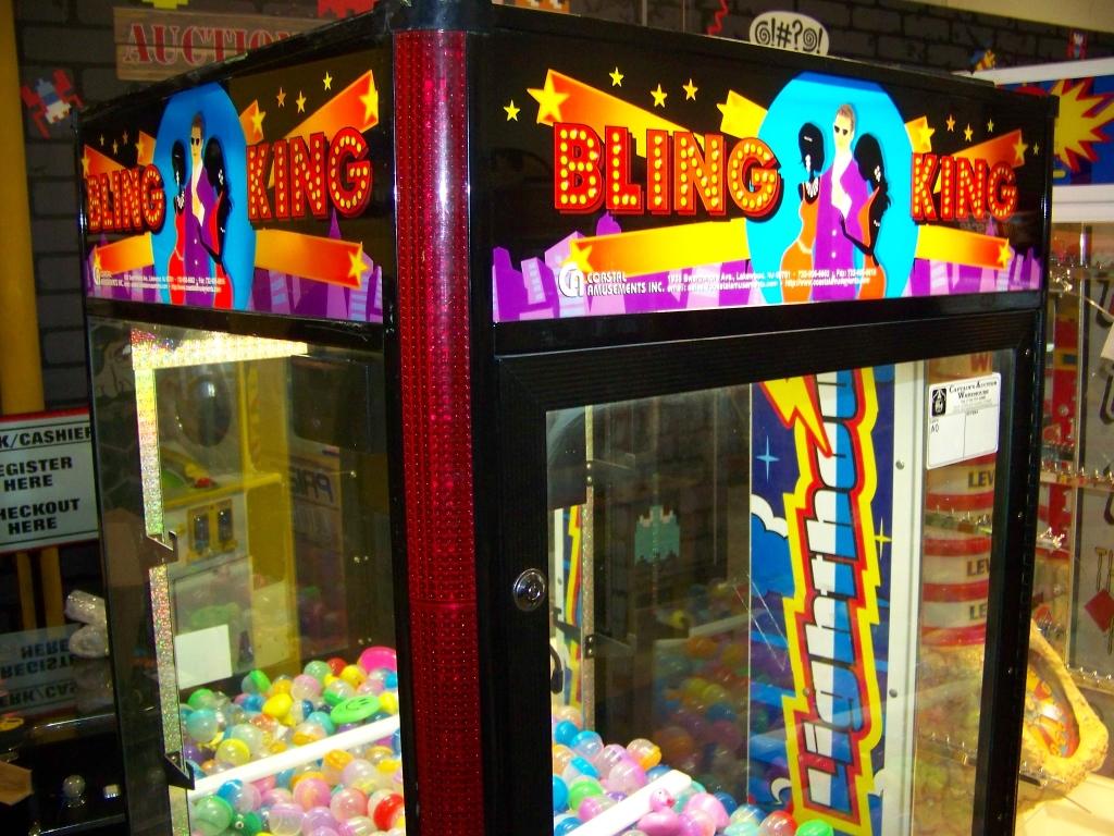 "30"" BLING KING JEWELRY CLAW CRANE MACHINE COASTAL - Image 5 of 5"