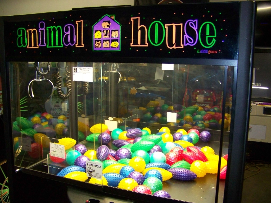 "Lot 49 - 60"" ANIMAL HOUSE PLUSH CLAW CRANE MACHINE"