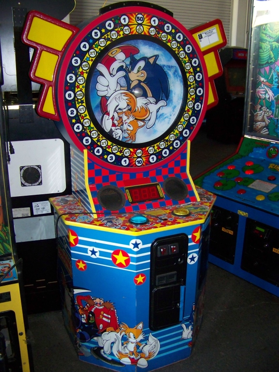 Lot 36 - SONIC AND TAILS REDEMPTION GAME CABINET