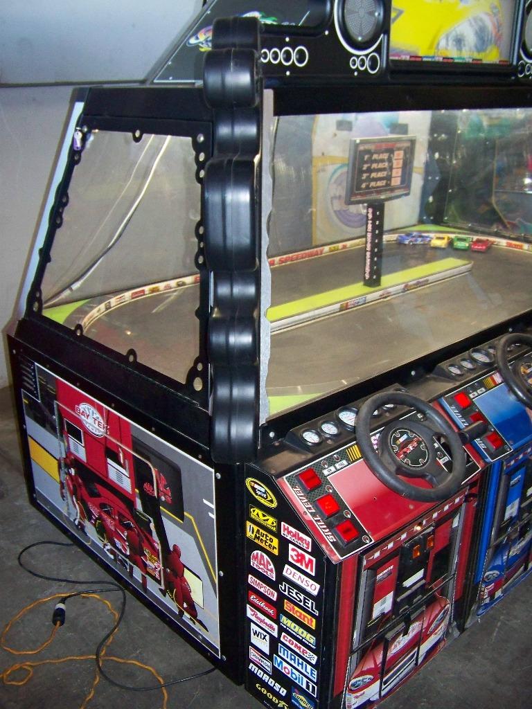 SHOWDOWN 4 PLAYER TICKET REDEMPTION GAME BAYTEK - Image 5 of 12