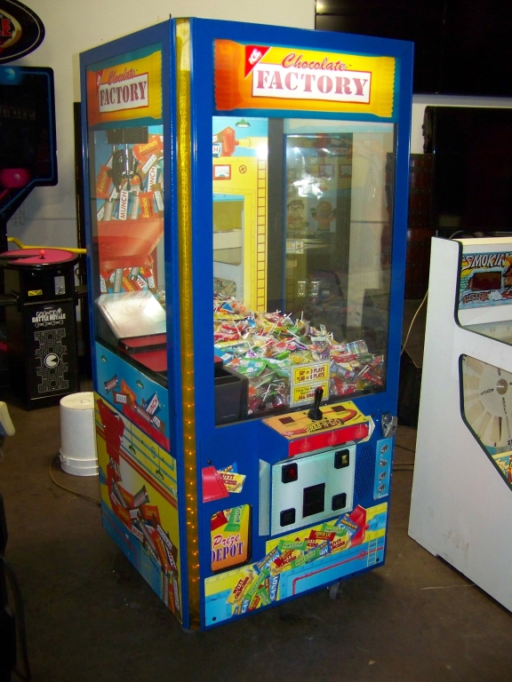 """30"""" CHOCOLATE FACTORY CANDY CLAW CRANE I.C.E. - Image 3 of 5"""