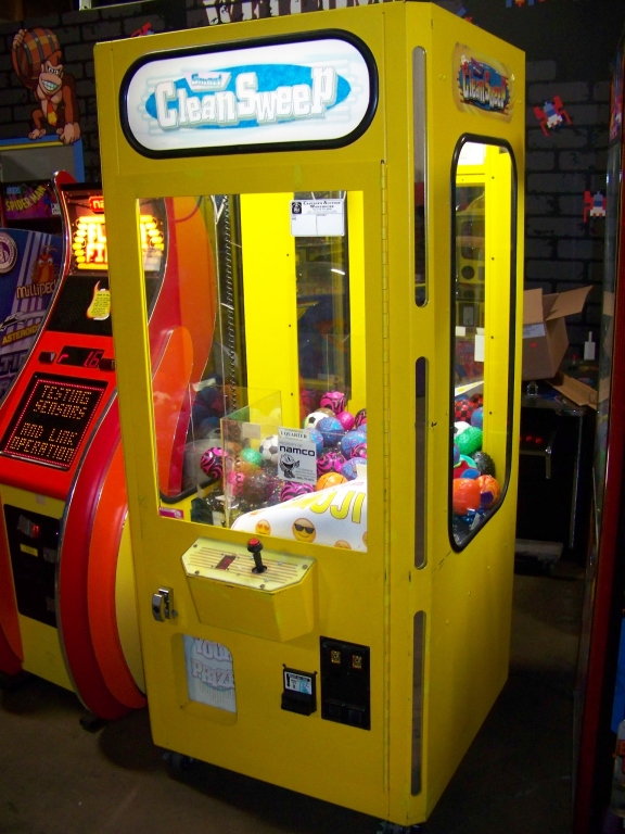 "30"" SMART CLEAN SWEEP YELLOW PLUSH CRANE MACHINE"