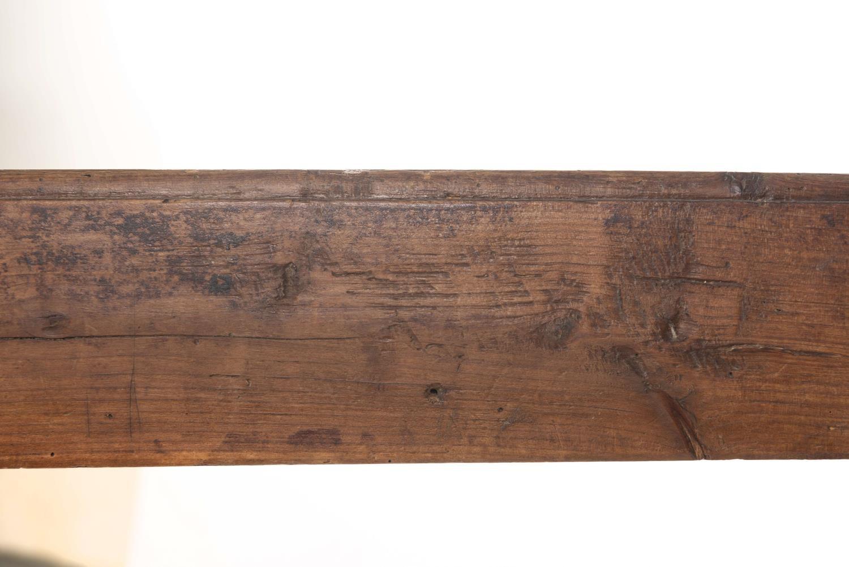 Lot 24 - Banc rustique espagnol accompagné d'un casabanco rustique espagnol en chêne H. [...]