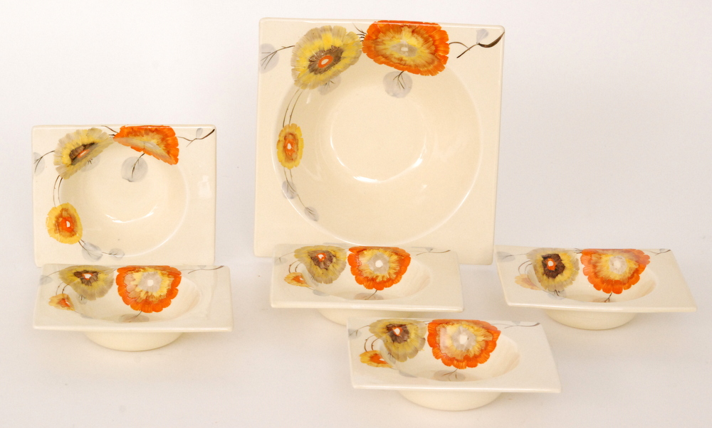 Lot 19 - A Clarice Cliff Tresco pattern Biarritz shape dessert service comprising a square serving bowl and