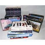 21 various boxed mixed scale modern issue military and sci-fi kits, to include military vehicles,