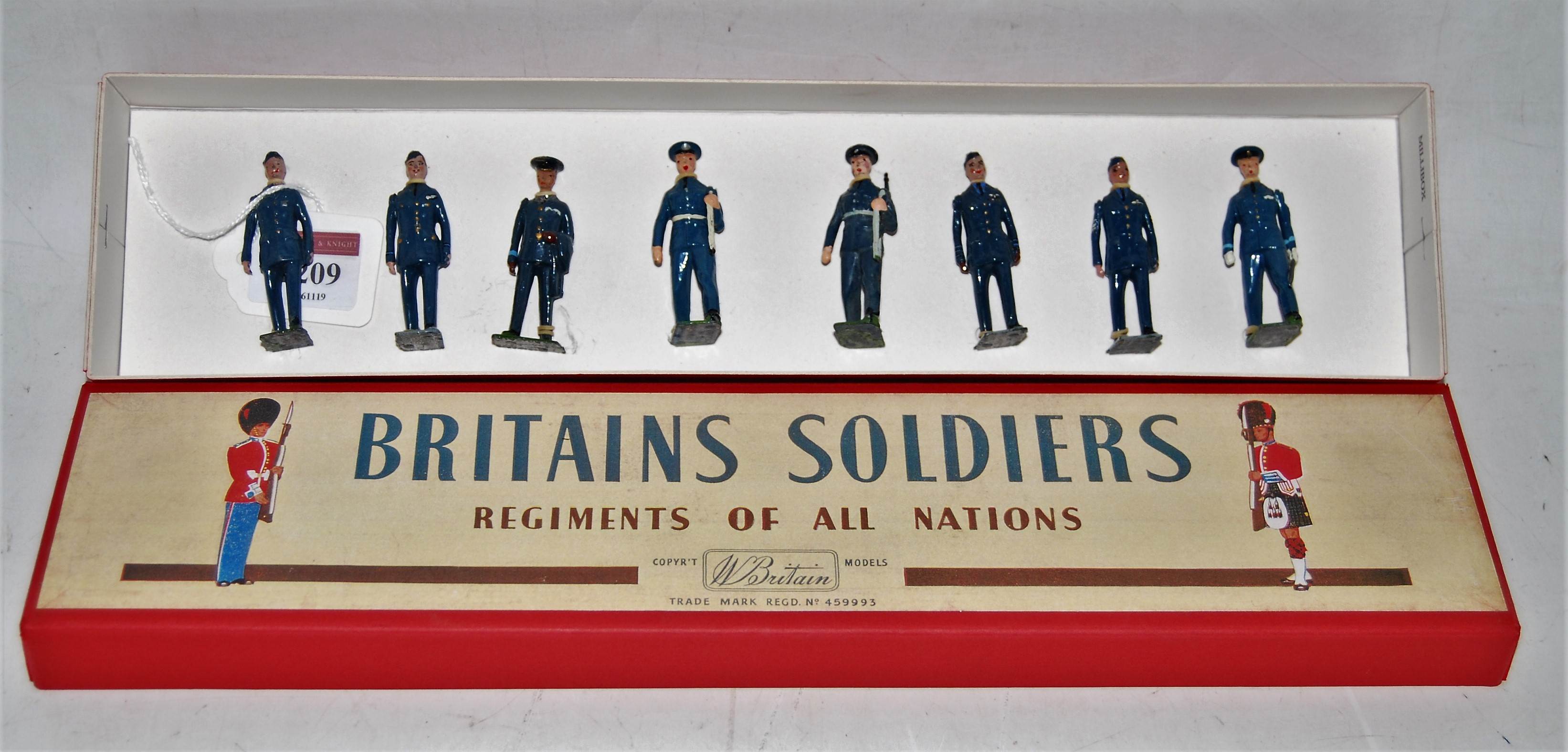 A Britains from set No. 2011 and No. 2073 Royal Air Force personnel, eight various figures to