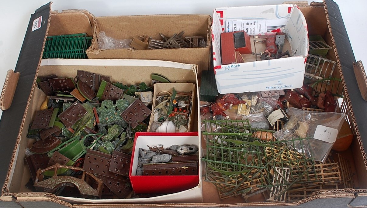 One tray containing a quantity of various Britains lead and hollow cast farming and garden