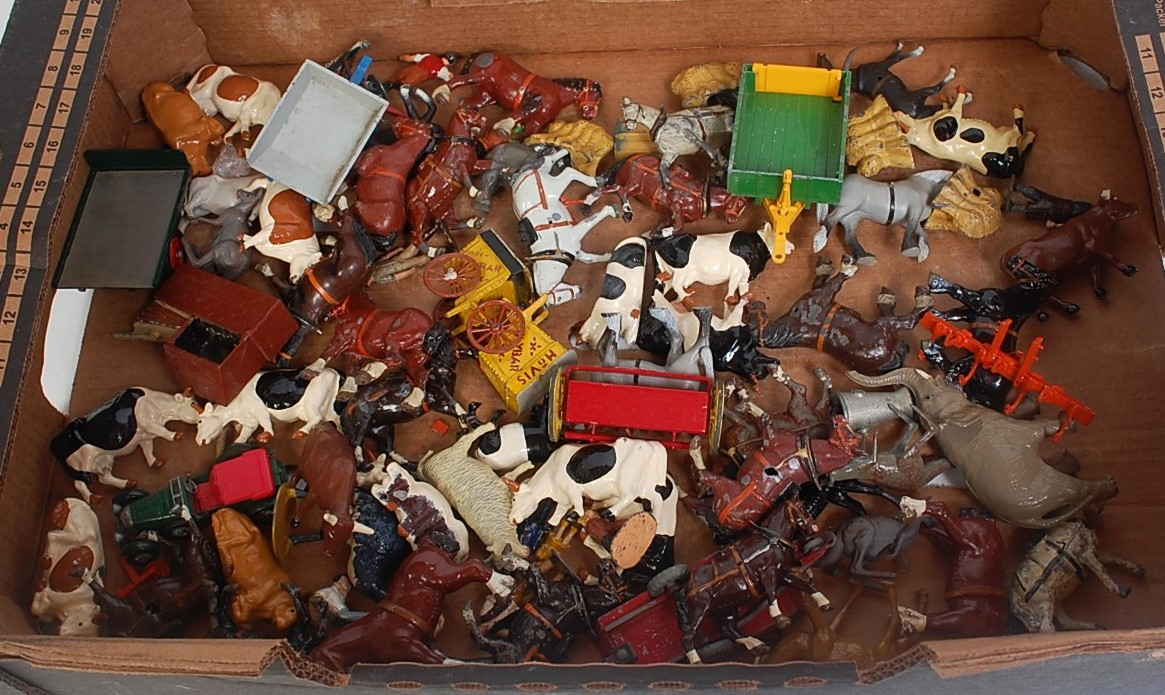One tray containing a quantity of various lead and hollow cast and other farm miniatures to
