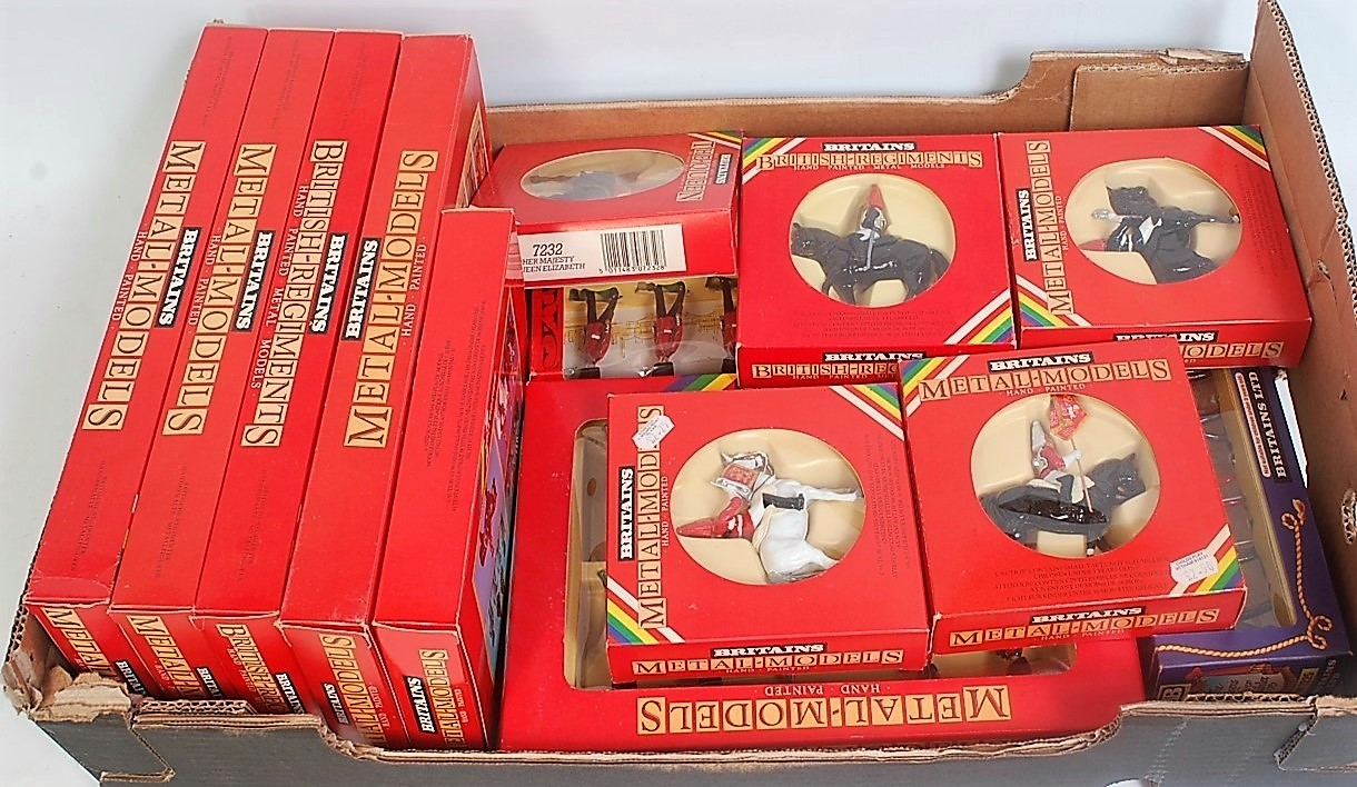 13 various boxed Britains window boxed issue soldier sets to include No. 7225, 7210, 7233, 7229,