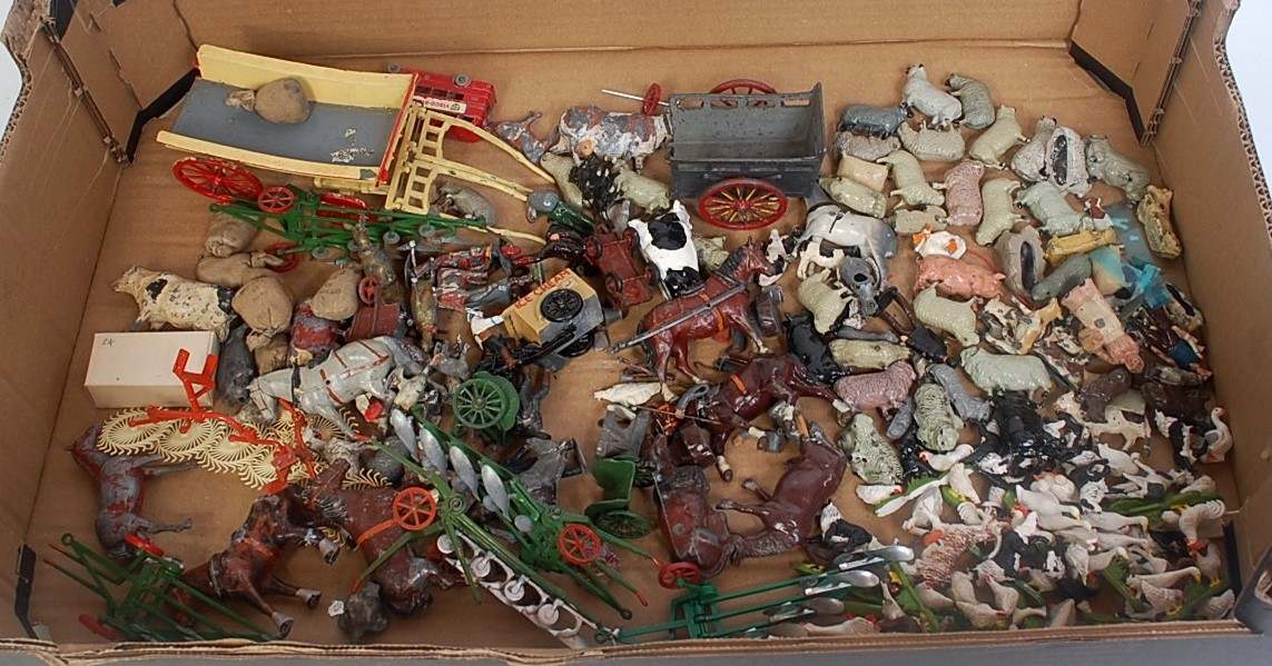 One tray containing a large quantity of various loose Britains and other lead hollow cast and