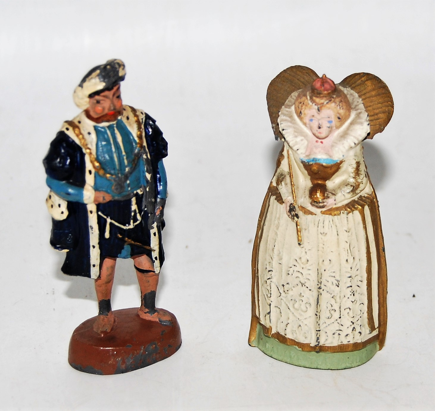 A Britains 1934 Madame Tussauds souvenir group comprising of model T1 Henry VIII, and model T4 Queen