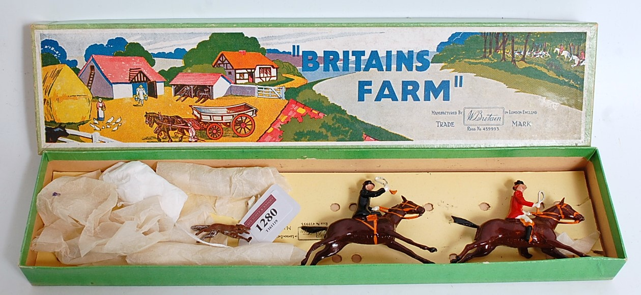 A Britains set No. 1447 Hunting Series Full Cry boxed set, comprising of 11 various hunting pieces