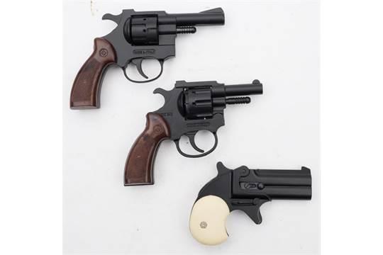 An Italian 'The Winlee Derringer'  22 starting pistol:, top