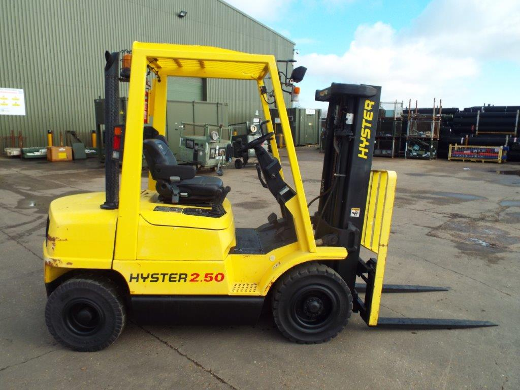Lot 35 - Container Spec Hyster H2.50XM Counter Balance Diesel Forklift C/W Side Shift & Full 3 Lift Mast