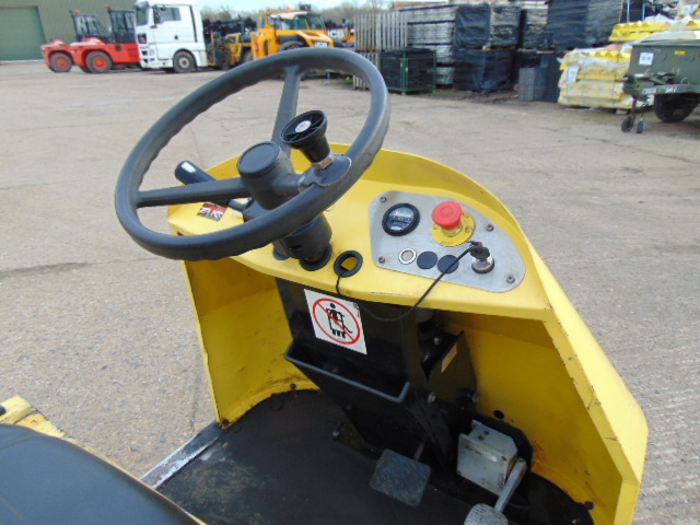 Lot 26 - 2010 Bradshaw T5 5000Kg Electric Tow Tractor c/w Battery Charger