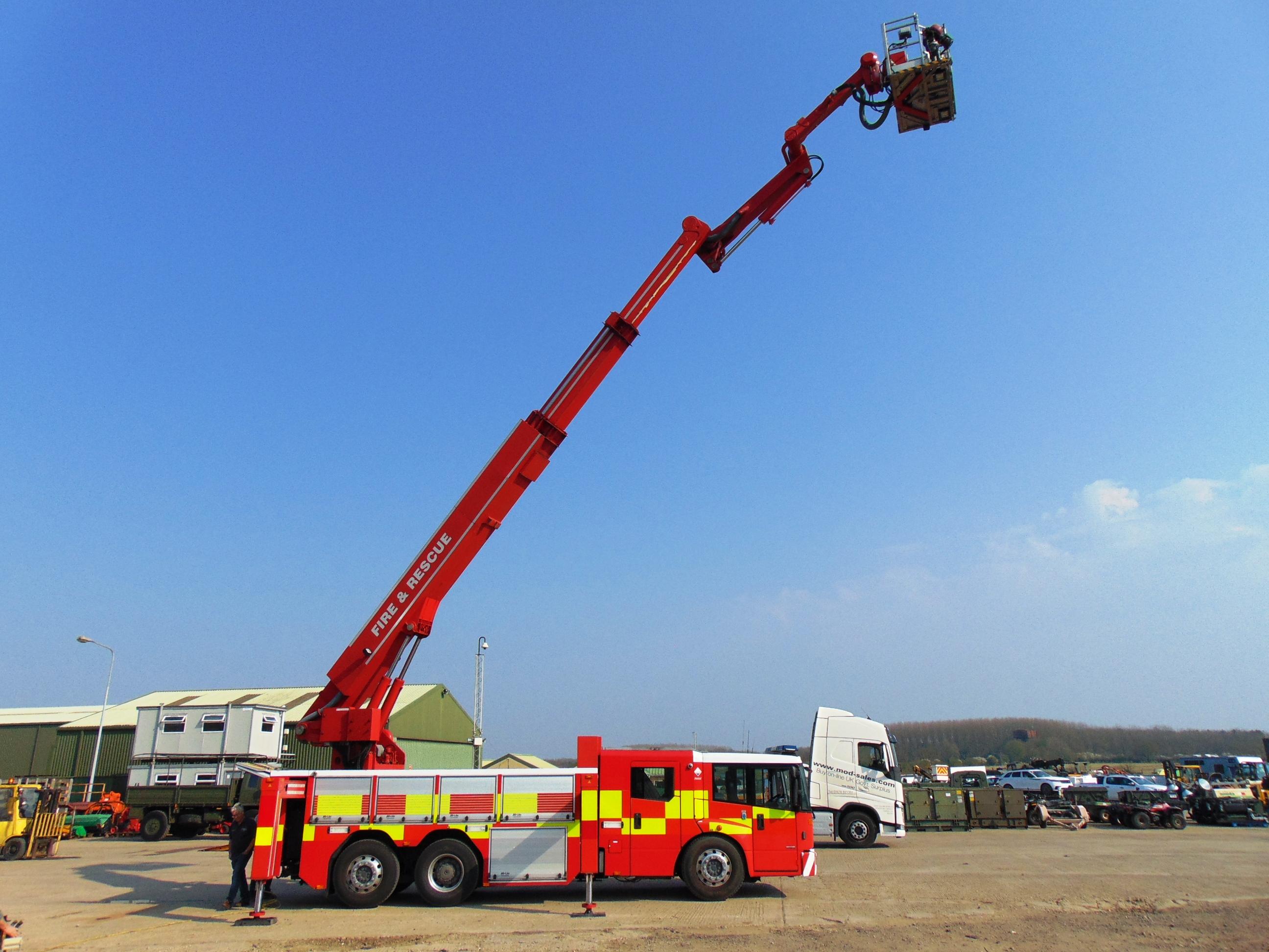 Lot 9 - 2008 Mercedes Econic 2633 CARP (Combined Aerial Rescue Pump) 6x2 Aerial Work Platform