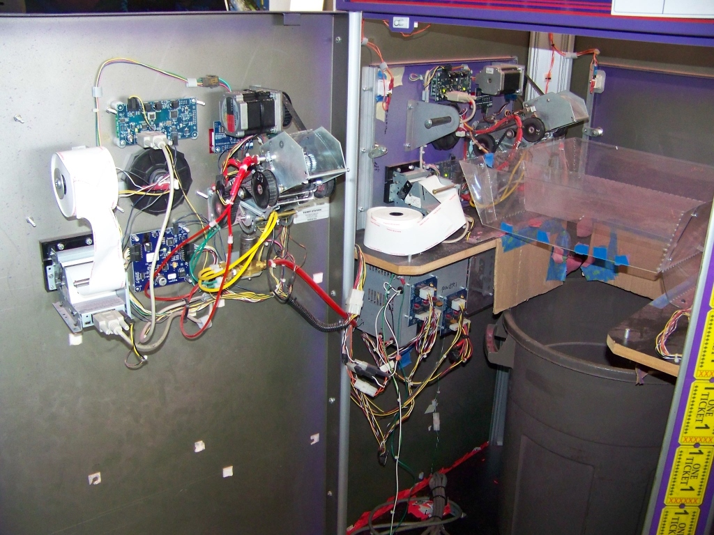 Lot 169 - TICKET STATION BENCHMARK 2 SIDED KIOSK SHREDDER