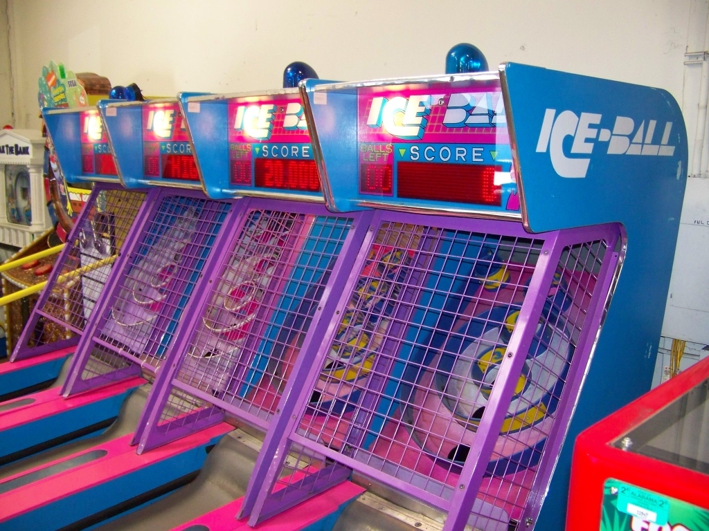 Lot 146 - ICE BALL ALLEY ROLLER REDEMPTION GAME I.C.E.