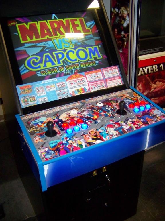 Lot 130 - MARVEL VS. CAPCOM UPRIGHT FIGHTER ARCADE GAME